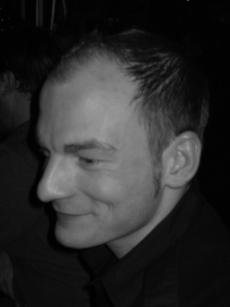 2008. Leander