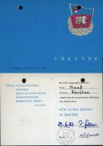 16 Urkunde für gutes Wissen 1982